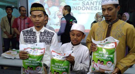 Peringati Hari Santri, ACT Distribusikan 100 Kg Ton Beras untuk 100 Pesantren