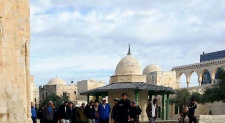 Puluhan Pemukim Israel Serbu Masjid Al-Aqsa