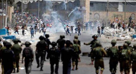 Peringati Wafatnya Arafat, Pemuda Palestina Bentrok dengan Tentara Israel