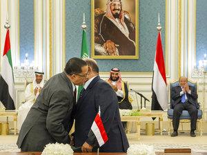 Pemerintah Yaman Berbagi Kekuasaan dengan Kelompok Selatan