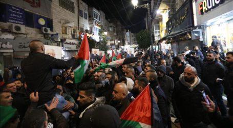 Unjuk Rasa Tolak Rencana Perdamaian Trump, 10 Warga Palestina Terluka