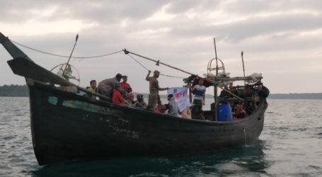 Kapal Kayu Membawa 66 Muslim Rohingya Dicegat di Teluk Benggala