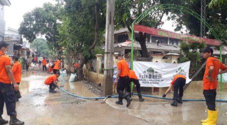 42 Hari Banjir Bandang Berlalu, Giat Bersih-Bersih UAR Bekasi Tetap Lanjut