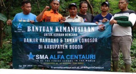SMA Alcent Bandung Salurkan Bantuan untuk Korban Banjir