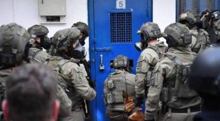 Tahanan Palestina Tikam Petugas Keamanan Israel di Penjara Ofer