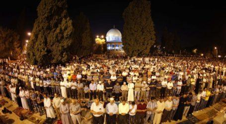 Ribuan Jamaah Ikuti Subuh Agung di Al-Aqsa dan Ibrahimi