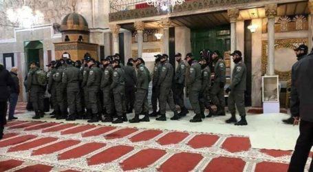 Puluhan Tentara Israel Serbu Masjid Ibrahimi