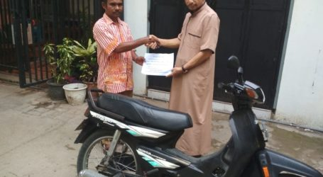 DMI Kota Kupang Salurkan Motor Dakwah untuk Guru Ngaji