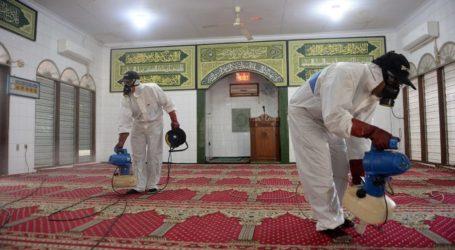 DMI Lakukan Penyemprotan Disinfektan di Sejumlah Masjid Jakarta