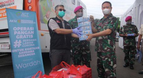 ACT Serahkan Bantuan pada  TNI Tangani Pandemi Corona