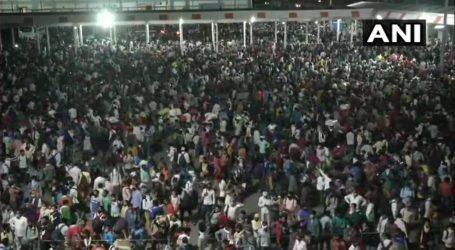 India Lockdown, Ribuan Pekerja Pulang Kampung Jalan Kaki