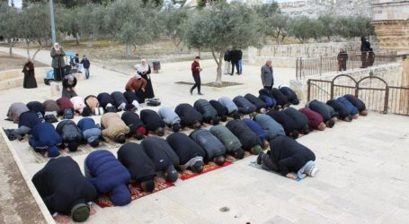 Walau Dicegah, 12 Ribu Jamaah Bisa Shalat Jumat di Al-Aqsa