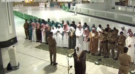 Salat Isya di Masjidil Haram dan Nabawi Masih Berlangsung
