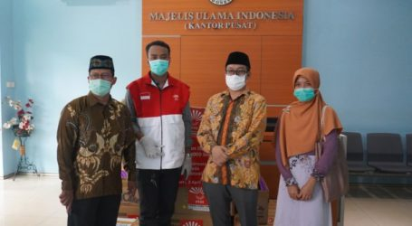 Perhimpunan Indonesia Tionghoa Serahkan Bantuan 10.000 Masker dan 2.000 Hand Sanitizer