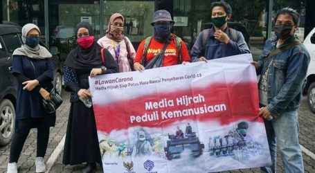Perkumpulan Jurnalis Media Hijrah Bagikan 1.000 Hand Sanitizer dan Masker