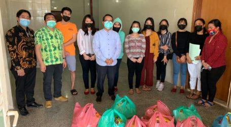 KBRI Kuwait Distribusi Bantuan untuk WNI Terdampak Lockdown