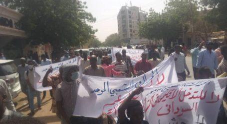Krisis Ekonomi, Demonstran Tuntut Pembubaran Koalisi Pemerintahan Transisi