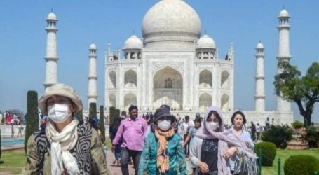 "Turis di India Langgar Kuncian, Dihukum Tulis ""Saya Sangat Menyesal"" 500 Kali"