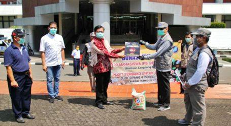 Himpunan Alumni IPB Salurkan Bantuan di Kawasan Kampus Darmaga