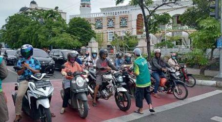 Wahdah Islamiyah Aceh Bagikan Masker dan Vitamin