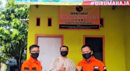 UAR Pringsewu, Lampung Bagikan Paket Sembako ke Kaum Dhuafa