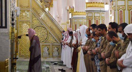 Tarawih Pertama di Masjid Nabawi dengan Jamaah Terbatas
