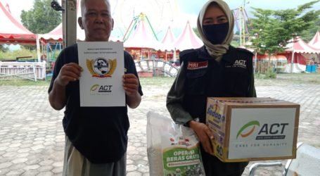 ACT Bantu Rombongan Pasar Malam Ariesta Jaya yang Terlantar