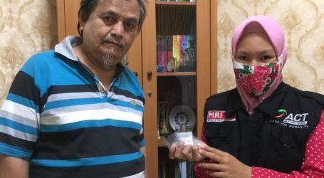 Baitul Mal Nusantara Salurkan Zakat Berupa Dirham