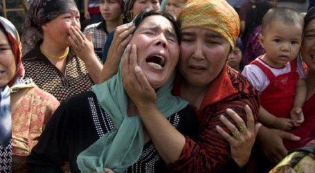 Trump Tanda Tangani UU Sanksi untuk Pejabat Cina Terkait Kasus Uighur
