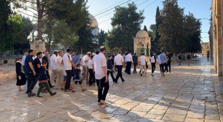 Para Pemukim Yahudi Serbu Halaman Masjid Al-Aqsa