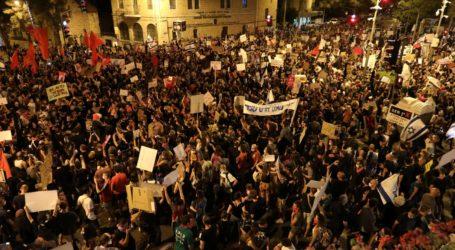 Ribuan Demonstran Tuntut Netanyahu Mundur