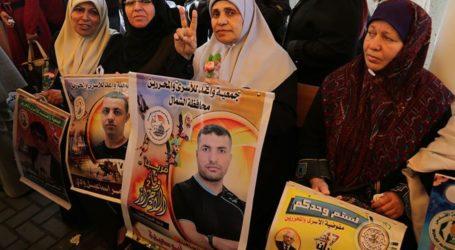 25 Tawanan Palestina Selesaikan Kuliahnya di Dalam Penjara