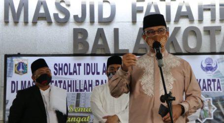 Anies Shalat Idul Adha di Masjid Fatahillah Balai Kota