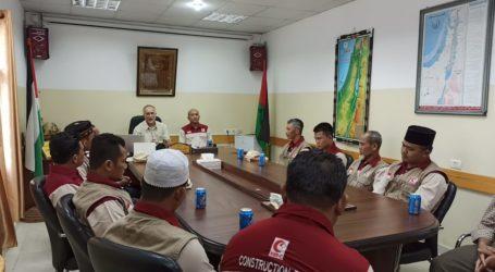 Direktur RSI di Gaza Melepas Relawan Pulang ke Indonesia