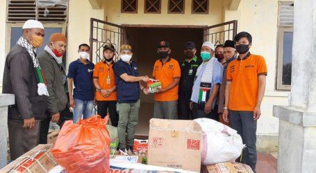 Jama'ah Muslimin (Hizbullah) Serahkan Bantuan untuk Pengungsi Rohingya di Aceh