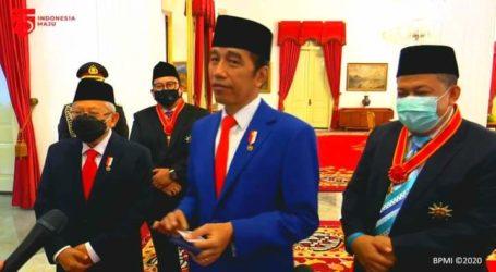 Presiden Jokowi Anugerahkan Tanda Kehormatan ke Fadli Zon dan Fahri Hamzah
