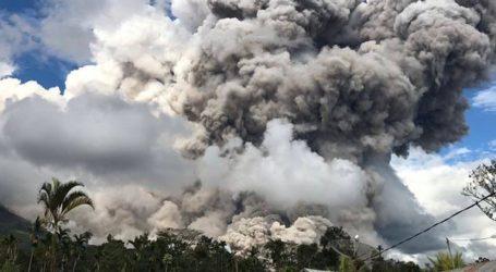 BNPB: Pemkab Karo Tangani Erupsi Gunung Sinabung
