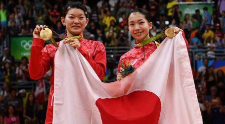 Pebulutangkis Jepang, Ayaka Takahashi Gantung Raket