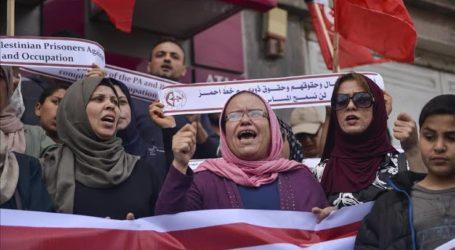 Warga Palestina Berunjuk Rasa Tentang Aneksasi dan Normalisasi Hubunga