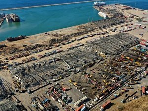 Tentara Lebanon Temukan Puluhan Kontainer Asam Hidrat di Pelabuhan Beirut