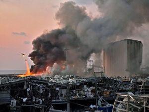 Dua Ledakan Dahsyat Guncang Pelabuhan Beirut