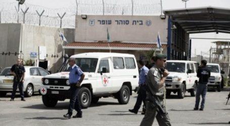 Israel Serbu Penjara Ofer, 26 Tahanan Luka-luka