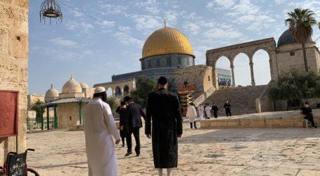 Ekstrimis Yahudi Dijaga Polisi Israel Serbu Masjid Al-Aqsa