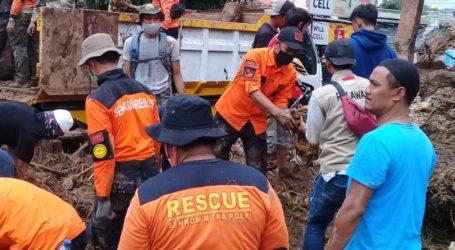 Ukhuwah Al-Fatah Rescue Bantu Korban Banjir di Sukabumi