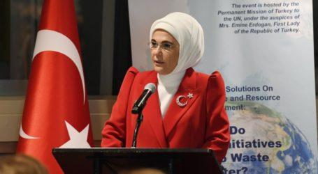 Emine Erdogan pada Hari Literasi Internasional: Lanjutkan Pendidikan
