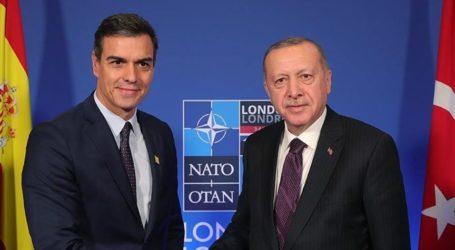 Presiden Turki dan PM Spanyol Berbicara Melalui Telepon