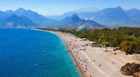 Tingkatkan Pariwisata di Turki, Sebanyak 225 Ribu Turis Rusia Kunjungi Antalya