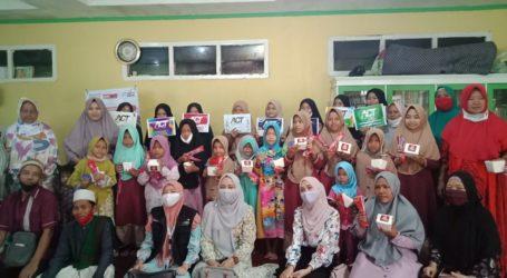 Nasi Kuning Sedop dan ACT Lampung Gelar Makan Bersama Santri Ponpes Al-Falah