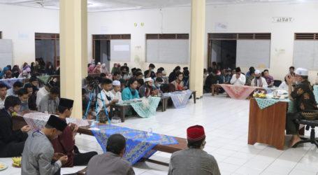 Imaam Yakhsyallah Berikan Tausiyah Khusus untuk Syubban dan Fatayat Jama'ah Muslimin (Hizbullah)