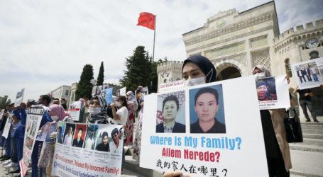 HRW Minta Saudi Ungkap Status Muslim Uighur yang Ditahan